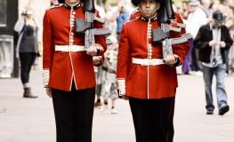 Soldat in numele reginei2 263x160 Dor de Anglia