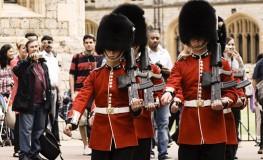 Soldat in numele reginei9 263x160 Dor de Anglia